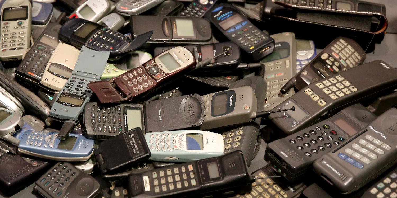 In der Telekommunikationsabteilung: Na, erkennt hier jemand sein altes Handy?