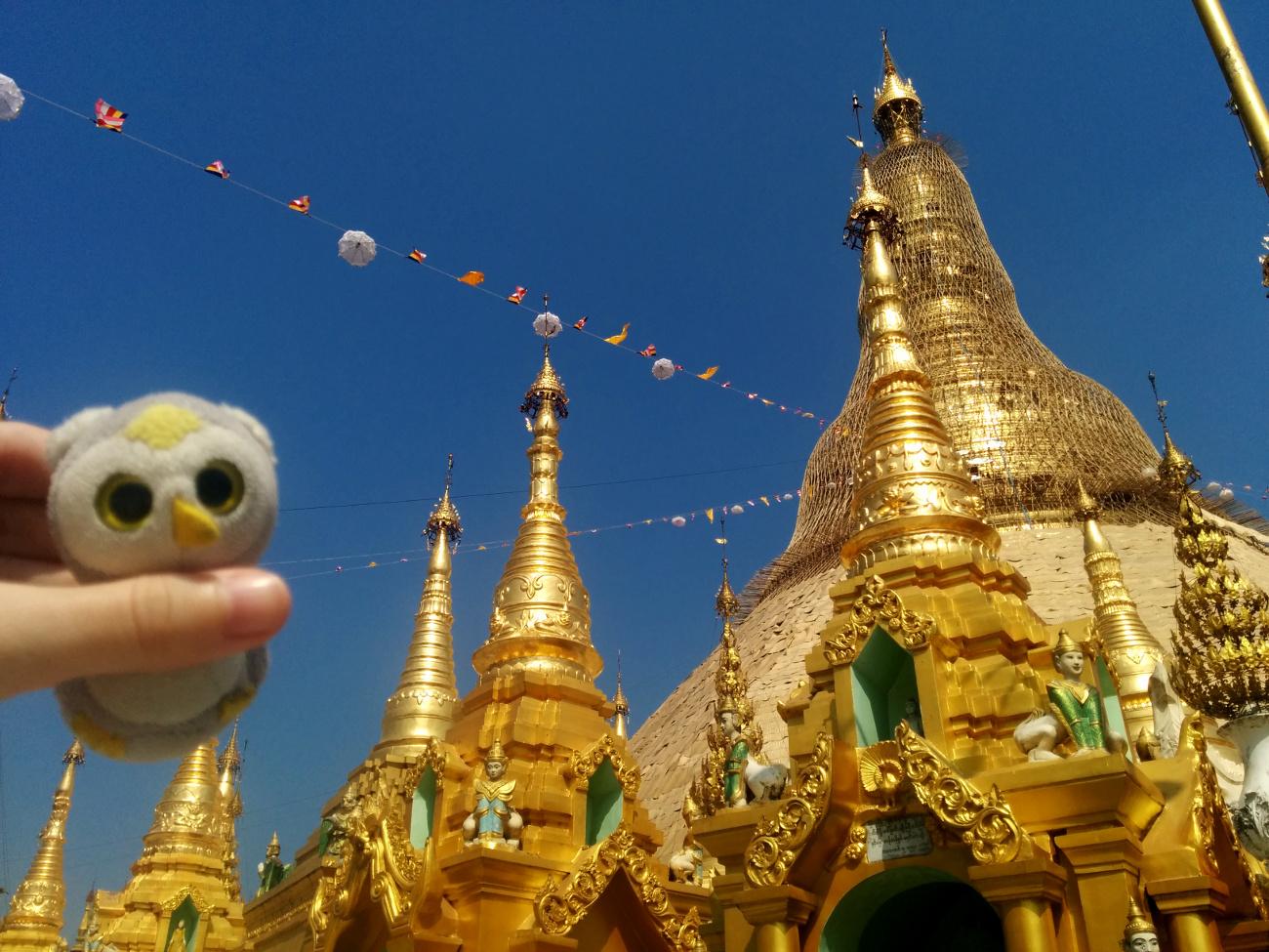 In der Shwedagon Pagode - Yangon, Myanmar