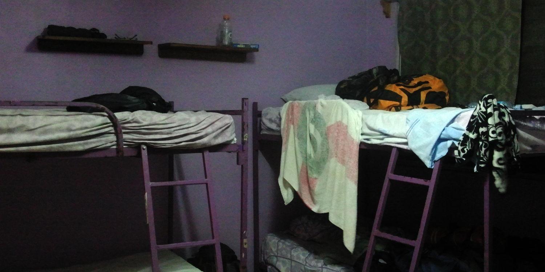 bunkbeds_purple_house